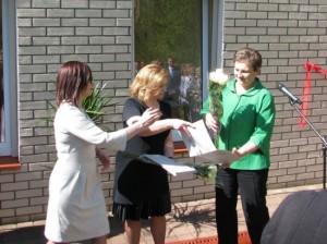 Mus-sveikina-LR-Seimo-Sveikatos-reikalu-komiteto-pirmininke-D.-Mikutiene_imagelarge33